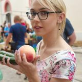 Studentin hat mir einen Tausch angeboten – einen Pfirsich gegen eine Zucchini #8_thumb