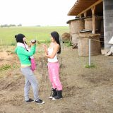 rubbel die Katz und schau mir dabei zu – zwei Bauerntöchter beim wichsen im freien #9_thumb