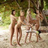 geiles fotoshooting mit 4 fast magersüchtigen jungen Girls am Karibikstrand #6_thumb