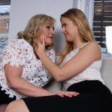 schwiegermutter in spe tröstet die junge freundin, weil ihr sohn fremdgegangen ist - sexsucht liegt in der familie picture 5