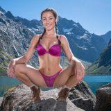 höchste zeit mal wieder urlaub in den alpen zu machen - naturmädchen badet nackt im bergsee picture 5